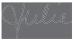 Signature de Julie Filiatrault, maître-esthéticienne et propriétaire chez Curaderme
